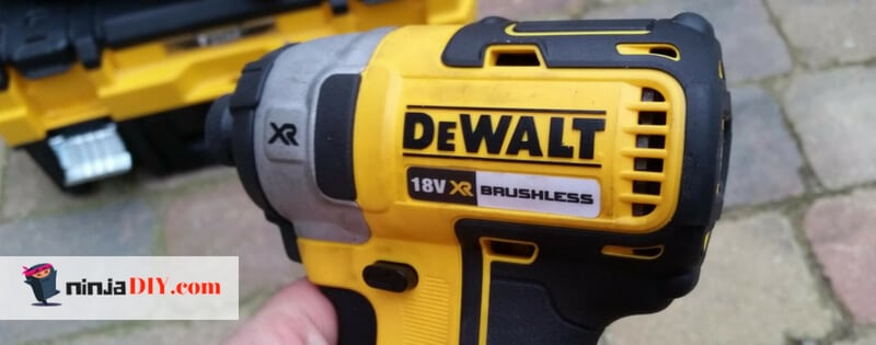 here a nice close picture of the dewalt dcf887 brushless impact screw gun